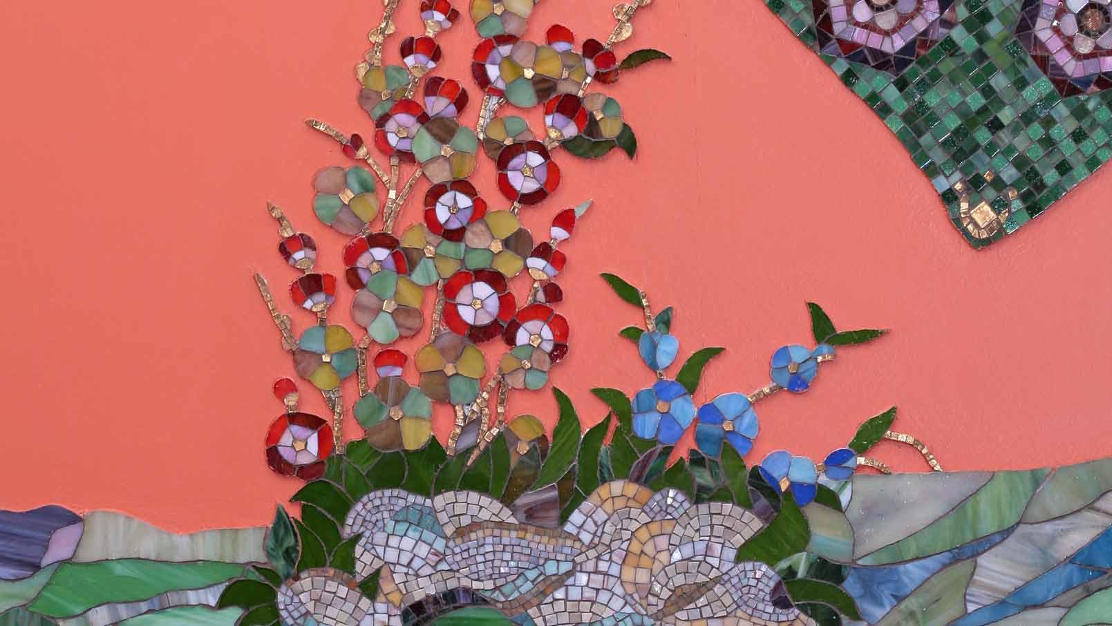 Мозаичное панно на стену Голубой мозаичный ковер из мозаики на стене бассейна